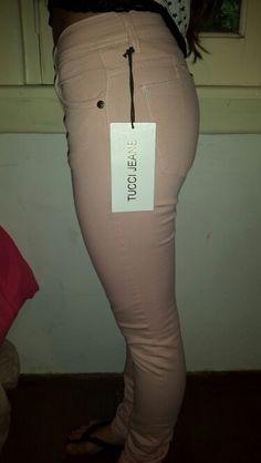 Vendemos jeans de Marca Rapsodia, Tucci, Wanama y Ossira. Y ahora Ona Saenz.