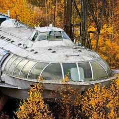Beautiful Abandoned Places You Won't Believe Exist Abandoned Soviet passenger Hydrofoil rusting away in the autumn forest near Kama Reservoir Abandoned Mansions, Abandoned Buildings, Abandoned Places, Abandoned Cars, Abandoned Castles, Haunted Places, Places Around The World, Around The Worlds, Bg Design