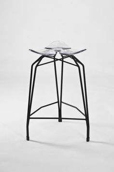 Bar stool http://www.dezin-in.com