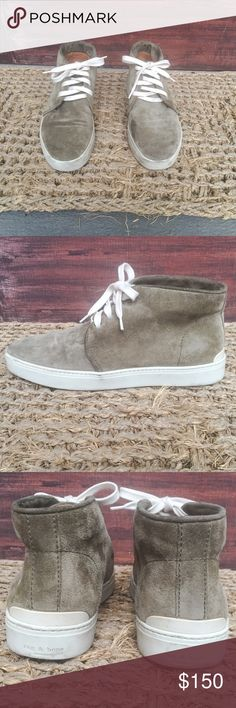 rag & bone Kent Boots rag & bone Kent Suede Desert Boots in olive green (Stonewall). 100% leather. Only worn a few times- great condition. Minor dirt marks on rubber heel, but that can easily be cleaned. rag & bone Shoes Ankle Boots & Booties