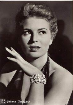So chic! Silvana Mangano   Anna - 1951