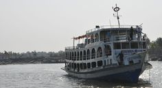 Bangladesh: Ferry disaster leaves at least six dead and hundreds missing http://descrier.co.uk/news/world/bangladesh-ferry-disaster-leaves-least-six-dead-hundreds-missing/