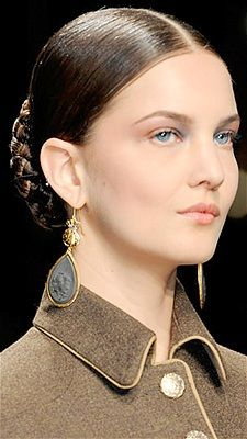 33 Hair Ideas for 2013 Salvatore Ferragamo Fall 2012 - smooth low braided bun with middle part Night Hairstyles, Romantic Hairstyles, Weave Hairstyles, Cool Hairstyles, Leave In, Date Night Makeup, Two Braids, Bad Hair, Hair Today