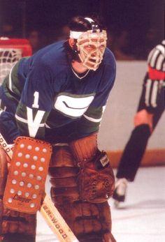 Nov 1978 The Canucks acquired goaltender Dunc Wilson from the Penguins Ice Hockey Teams, Hockey Goalie, Mlb Teams, Hockey Stuff, Montreal Canadiens, Canada Hockey, Goalie Mask, Vancouver Canucks, National Hockey League