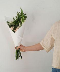 Bouquet du jour | Oursin Fleurs   | lisianthus + mufflier + chrysanthème + oeillet