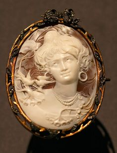 Fabergé cameo, diamond, silver, and gold brooch Victorian Jewelry, Antique Jewelry, Vintage Jewelry, Art Nouveau, Faberge Jewelry, Cameo Jewelry, Jewellery, Hand Carved, Sculpture