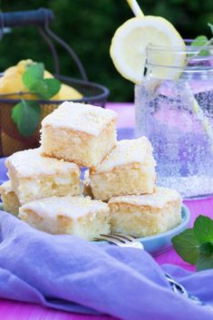 juicy lemon cake from the plate - Kuchen & Torten - cake recipes Vanilla Coffee Cake Recipe, Caramel Mud Cake, Cream Cheese Bars, Easy Thanksgiving Recipes, Healthy Cake Recipes, Blueberry Cake, Stick Of Butter, Food And Drink, Lemon Desserts