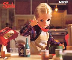 Sindy busy in the kitchen in 1984. Photo: Vintage Sindy on facebook. #sindy