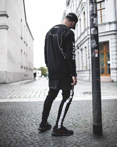 "3,184 отметок «Нравится», 68 комментариев — ""NIKLAS WOYT"" (@ezcape) в Instagram: «Sinner till death |  Outfit by @jaffarystudios»"