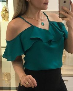 Women's Fashion Tops Online Shopping – Chic Me Plus Size Tank Tops, Plus Size Blouses, Blouse Styles, Blouse Designs, Tops Online Shopping, Trend Fashion, Fashion Top, Woman Fashion, Fall Fashion
