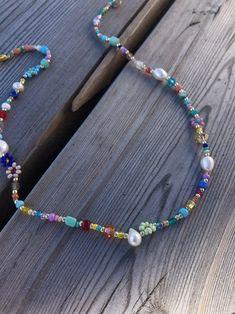 Bead Jewellery, Beaded Jewelry, Jewelery, Beaded Bracelets, Diy Necklace, Flower Necklace, Pearl Necklace, Choker Necklaces, Cute Jewelry