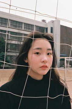 Korean Aesthetic, Aesthetic Photo, Aesthetic Girl, Mode Cool, Japanese Photography, Aesthetic People, Usa Tumblr, Photo Reference, Portrait Inspiration