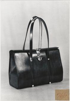 Vintage Etienne Aigner Handbag Etienne Aigner 21d9b022e72e8