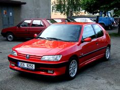 Peugeot 306 XSi - Mine was in silver 309 Gti, Peugeot France, Psa Peugeot Citroen, Vintage Cars, Vintage Auto, Ford Focus, Diesel, Classic Cars, Cherry Red
