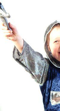 Auf zum Ritterturnier - Tolle Partyspiele für den Kindergeburtstag Ritter gibt's bei yokki