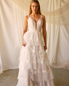 Wild Blooms Bridal believes your wedding dress should be a reflection of your personal style. For the bride who loved freedom, style, simplicity and wants to be her truest self on her special day! Formal Dresses, Wedding Dresses, Personal Style, Bloom, Boutique, Bride, Fashion, Dresses For Formal, Bride Dresses