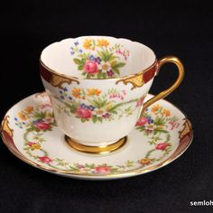 SHELLEY Richmond Footed CUP SAUCER 1938-1966 Maroon Ratauds Dubarry GOLD