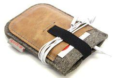 Handytaschen - Handyhülle aus Antikleder / Filz / Gummi - ein Designerstück von Alpenfilz bei DaWanda