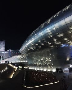 snapchat /add/ nextarch Luv the night here. #ddp #seoul #seoul_korea #korea #architecturephotography #chasinglight photo by @qcici #next_top_architects #nextarch