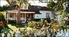 This is literally my dream home! The little cottage house from the Bewitched movie. I fell in love with it the second Samantha made all of the flower bloom.
