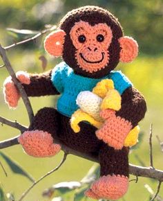 Charlie Chimp This crochet pattern / tutorial is available for free. Full Post: Charlie Chimp (Pattern in English) Crochet Monkey Pattern, Crochet Amigurumi Free Patterns, Crochet Dolls, Crochet For Boys, Cute Crochet, Vintage Crochet, Crochet Pillow, Stuffed Animal Patterns, Crochet Gifts