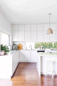 50 Best Small Kitchen Remodel Designs for Smart Space Management - Home & Garden Home Decor Kitchen, Kitchen Interior, Home Kitchens, Kitchen Dining, Diy Interior, Kitchen Fixtures, Kitchen Cabinetry, Minimalist Kitchen, Modern Kitchen Design