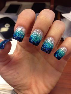 Blue ombre nails, acrylic nail designs glitter, acrylic nails glitter o Glitter Fade Nails, Faded Nails, Teal Nails, Glitter Nail Art, Acrylic Nail Designs Glitter, Silver Glitter, Ocean Blue Nails, Ocean Nail Art, Colorful Nails