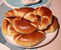 Ein Thermomix ® Rezept aus der Kategorie Brot & Brö… Milk croissants from -mija-. A Thermomix ® recipe from the category Bread & Rolls on www.de, the Thermomix® Community. Pizza Recipes, Bread Recipes, Baking Recipes, Dessert Recipes, Bread Bun, Bread Rolls, Croissants, Desserts Sains, Rigatoni
