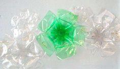 Riciclo creativo di carta, vetro e plastica - Fiori di plastica