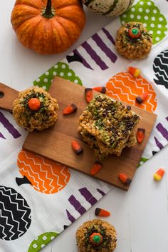 Pumpkin Rice Krispie Treats for #HolidayFoodParty via @Susan | Girl In The Little Red Kitchen
