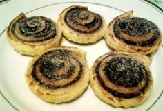 Mini kakaós csiga leveles tésztából Winter Food, Minion, Tapas, Cheesecake, Muffin, Healthy Recipes, Cookies, Breakfast, Diet