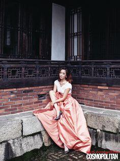 Kim Hee Sun's Interior Spreads For Cosmopolitan Korea's September 2013 Issue : Couch Kimchi