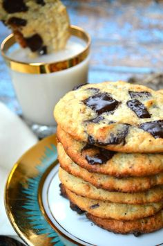 "Keto & Low Carb ""Soft Batch"" Chocolate Chip Cookies// About 2 carbs per… Keto Cookies, Yummy Cookies, Almond Cookies, Shortbread Cookies, Sugar Cookies, Atkins, Low Carb Keto, Low Carb Recipes, Ketogenic Recipes"