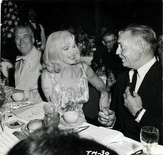 Gable and Marilyn Monroe Marilyn Monroe Curves, Marilyn Monroe Photos, Marylin Monroe, Golden Age Of Hollywood, Classic Hollywood, Old Hollywood, Hotel Birthday Parties, John Huston, Maggie Grace