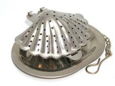 Shell-shaped tea infuser