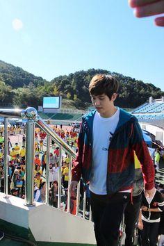 Lee Jong Hyun  Run , Love it Cnblue, Lee Jong Hyun, Jonghyun, Fun, Boys, Kitty, Fin Fun, Young Boys, Senior Boys