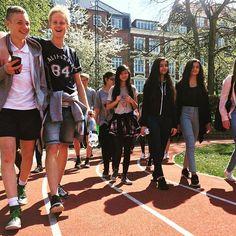 #schoolkids on #track #shapedcanvastrack @nordeafonden @lindabeumer @jeroenbouweriks #seaarhus #visitaarhus #art