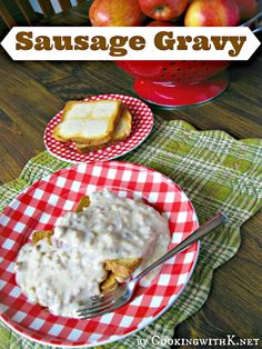 Sausage Gravy and Old Fashioned Buttered Toast + why the toast is old fashioned. Sausage gravy is so easy to make not to mention scrumptious over anything! Bacon Gravy, Sausage Gravy Recipe, Sausage Seasoning, Breakfast Items, Breakfast Recipes, Breakfast Sandwiches, Southern Sausage Gravy, Cookbook Recipes, Cooking Recipes