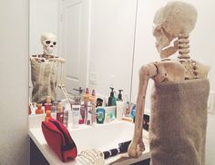 skeleton-daily-life-photography-1 Don't worry boys, it doesn't take me THAT long to get ready in the morning.