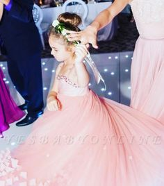 Yesbabyonline.com is selling Affordable lovely ball gown and A-line lace or tulle flower girl dresses. Just visit and browse the Organza flower girl dresses you want. Red Flower Girl Dresses, Tulle Flower Girl, Girls Dresses Online, Girls Pageant Dresses, Dress Online, Organza Dress, Custom Dresses, Special Occasion Dresses, Dress Making