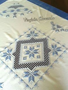 Neşe'nin gözdeleri Types Of Embroidery, Embroidery Art, Embroidery Stitches, Embroidery Patterns, Bookmark Craft, Drawn Thread, Hardanger Embroidery, Circular Knitting Needles, Cross Patterns