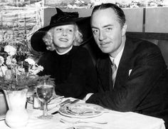 pictures from jean harlow husbands,,, istressed could have been coming from a memorial service as Vincent Minnelli was all in black. Image Jean Harlow and fiance William Powell dining out. Hollywood Couples, Old Hollywood Movies, Old Hollywood Stars, Golden Age Of Hollywood, Vintage Hollywood, Classic Hollywood, Hollywood Style, Hollywood Men, Jean Harlow