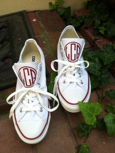 Monogramed Converse! I want them! :)