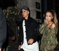 I love Justin Bieber and Ariana Grande. Ariana And Justin, Ariana Grande Justin Bieber, Ariana Grande Photoshoot, Ariana Grande Pictures, Justin Bieber Family, Colby Brock, Dangerous Woman, Queen, Persona