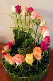 Resultado de imagen para arreglos florales base vidrio