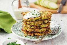 Tzatziki, Zucchini Puffer, Romanian Food, Ciabatta, Kraut, Coleslaw, Salmon Burgers, Avocado Toast, Low Carb