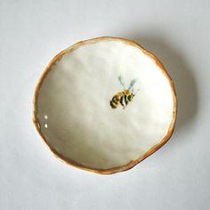 Old & New Beehive Dishes & Dinnerware Collection - Ceramic Pottery, Pottery Art, Ceramic Art, Ceramic Bowls, Estilo Tudor, New Beehive, Vintage Bee, Bee Art, Bees Knees