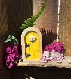 This fairy can't get enough of the Florida sunshine. Florida Sunshine, Fairy Homes, Doors, Bird, Canning, Happy, Outdoor Decor, Garden, Home Decor