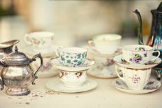 ~ mismatched china ~ so pretty!