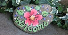 Painted Welcome garden rock decoration, peach flower painting - Painted Welcome garden rock decoration peach by MyPaintedSwan Source by - Pebble Painting, Pebble Art, Stone Painting, Rock Flowers, Peach Flowers, Rock Painting Ideas Easy, Rock Painting Designs, Stone Crafts, Rock Crafts